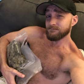 Love holding big sacks...of weed